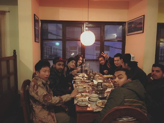 Krua Thai Restaurant: our gang at Krua Thai
