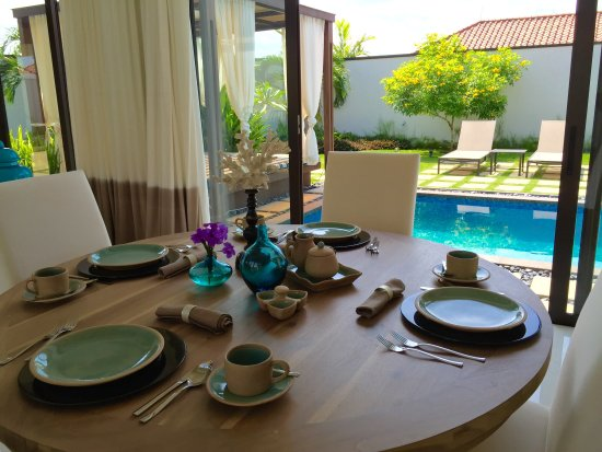 Holiday Villa Pantai Indah