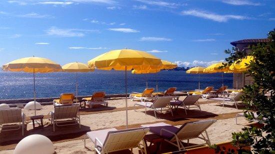 le berlugan la plage beaulieu sur mer restaurant avis num ro de t l phone photos. Black Bedroom Furniture Sets. Home Design Ideas