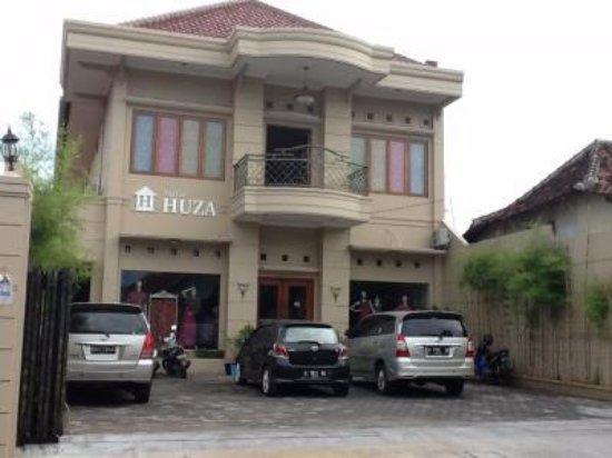 Pekalongan, إندونيسيا: Batik Huza Pusat yang berada di kota Pekalongan.