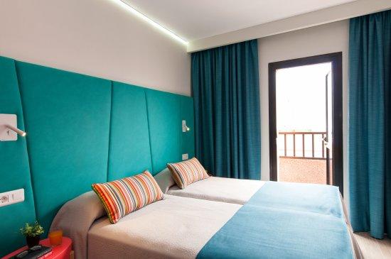 ホテル アパルタメントス バハマール