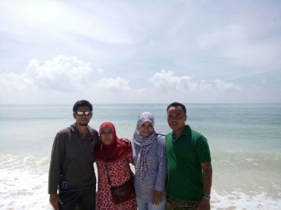 Remen White Sand Beach: Pantai Pasir Putih Remen