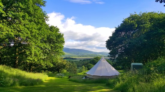 Cefn Crib Caravan Park: View over the valley from the glamping tents