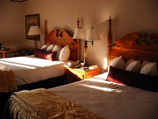 BEST WESTERN PLUS Dockside Waterfront Inn: Our Room