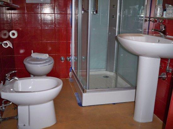 Albanuova Hotel: Bagno suite