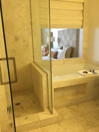 EPIC Hotel - a Kimpton Hotel: photo3.jpg