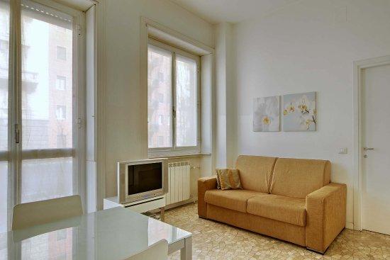 Milan Apartment Rental: sitting area