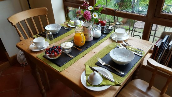 Stonepits Farm Bed and Breakfast: 20160604_090805_large.jpg