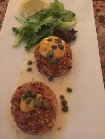 Hop's Downtown Grill: Crab/Shrimp Cakes