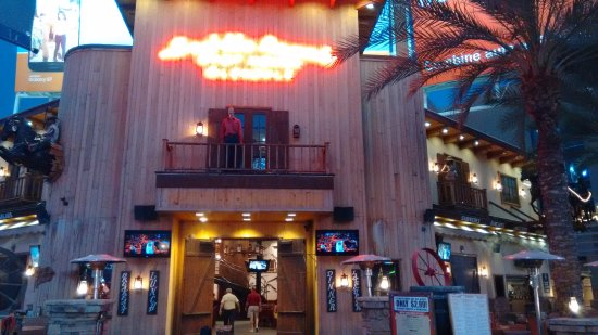 Saddle Ranch Chop House: Entrance