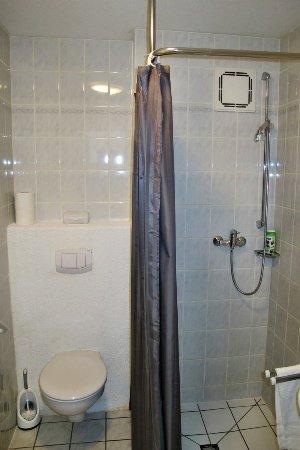 Dobel, Alemania: EZ Bad mit Dusche