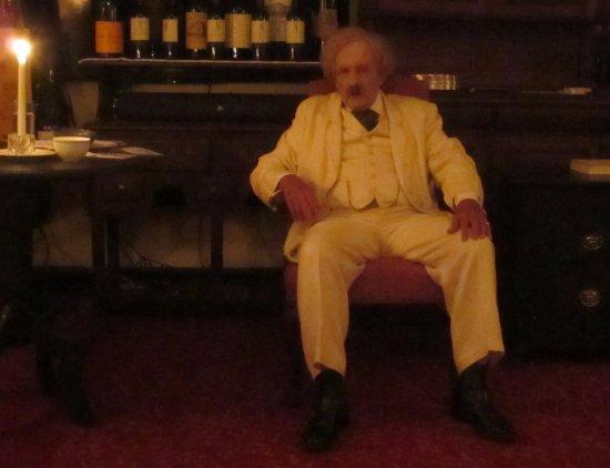 A Memorable Evening in Bermuda with Mark Twain: Gavin Wilson's wonderful portrayal of Mark Twain.