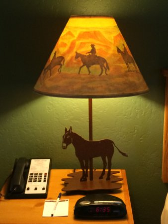 Maswik Lodge: Cute lamp!