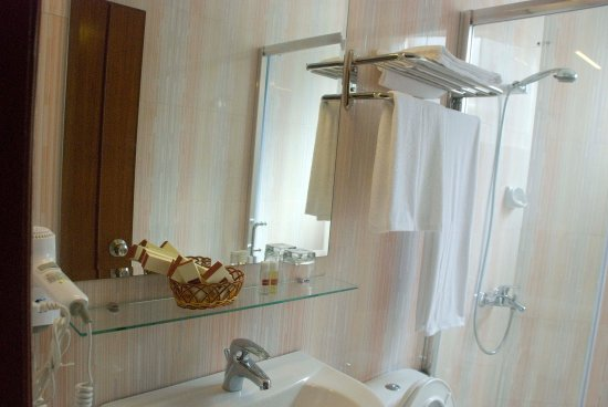 Silver River Hotel: Bath Room