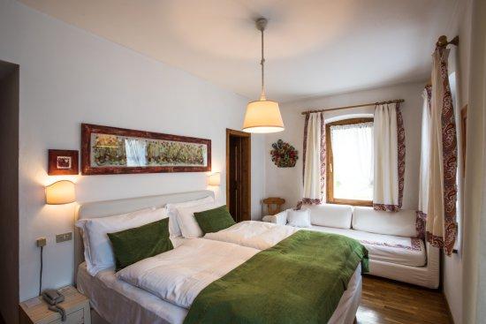 Hotel meuble fiori san vito di cadore italia prezzi for Hotel meuble fiori san vito di cadore