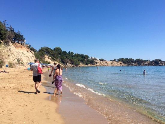 Island Blue Hotel: Beach
