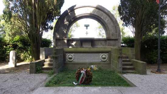 Cimitero degli Eroi di Aquileia