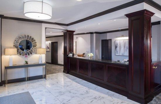 Bethesda Court Hotel: Front Desk