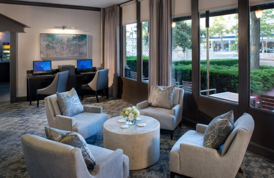 Bethesda Court Hotel: Lobby & Business Center