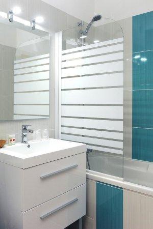 Beau Rivage: Salle de bains toute neuve!!