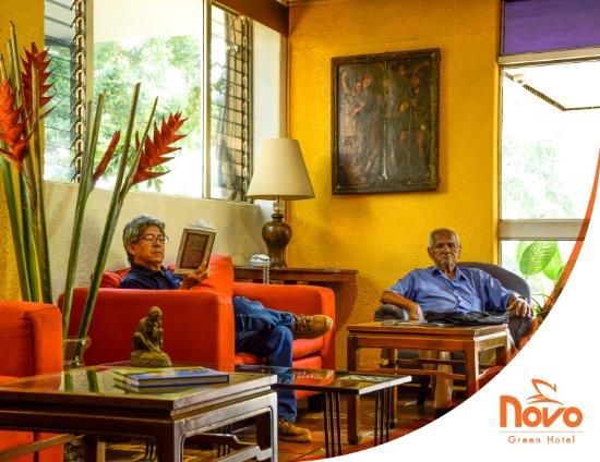 Novo Hotel & Suite: lobby