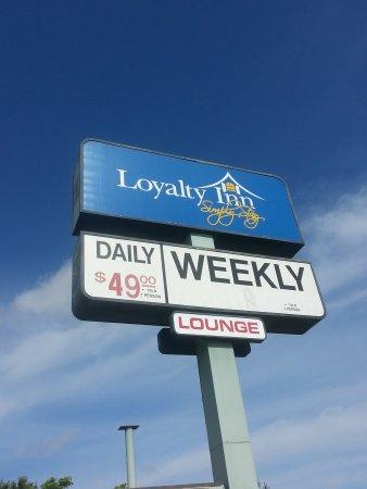 Loyalty Inn: Entrance Sign