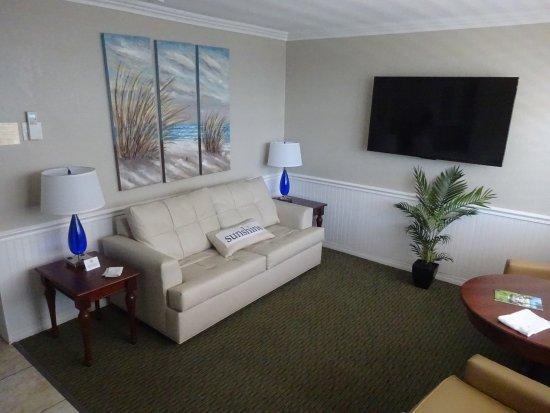 Thunderbird Beach Resort: Clean, and comfortable.