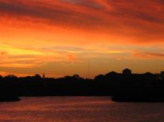 Sea Club Rentals: Sunset