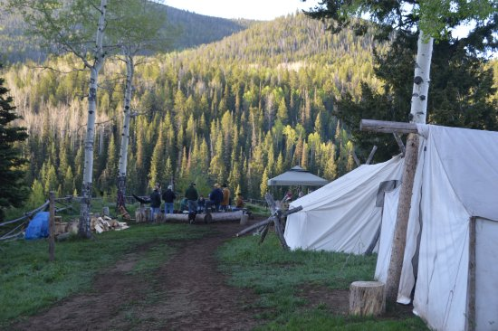 Black Mountain Ranch: Tents and fire pit at pack camp