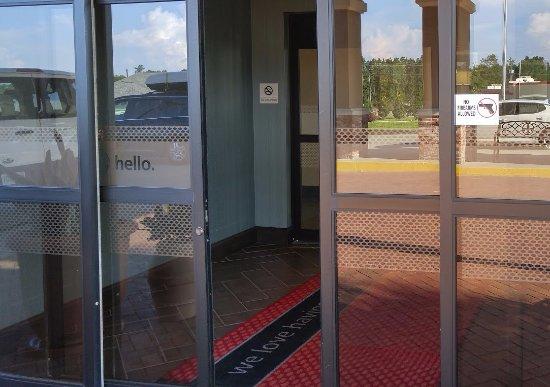 Wiggins, Mississippi: Warning on entryway door