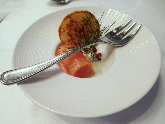 Smoked salmon amuse bouche picture of park restaurant for Amuse bouche cuisine