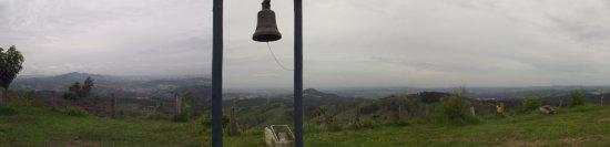 Capela da Cruz (do Sr Bom Jesus): Vista do alto do morro