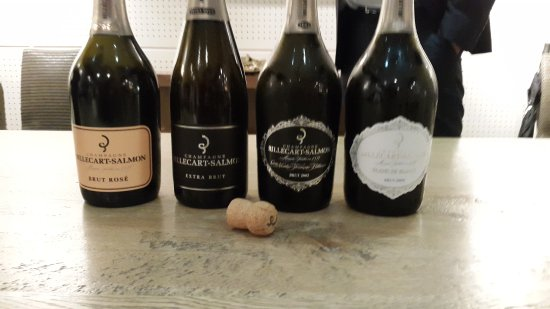 Mareuil-sur-Ay, ฝรั่งเศส: 4 of the 5 Champagnes we tasted - the Blanc de Blancs 2004 (far right) was the highlight.