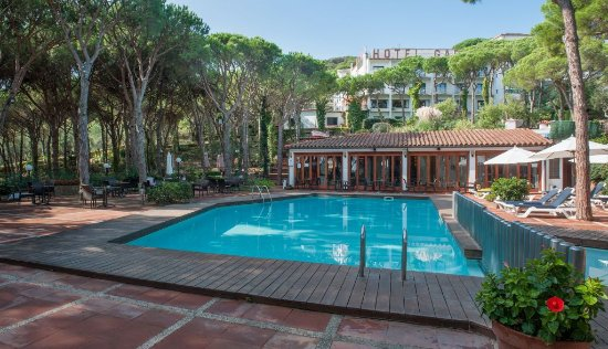 Hotel Garbi : Swimming pool