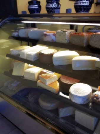 Wausau, Wisconsin: Cut-to-order cheese