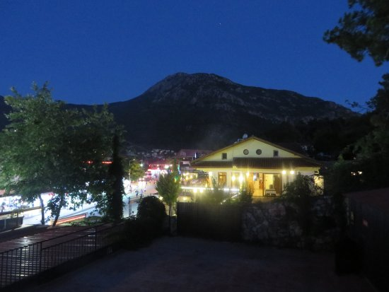 Hisar Holiday Club: View of Babadag Mountain by night