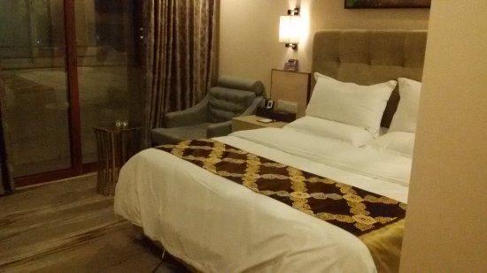 Miluo Bojue Hotel