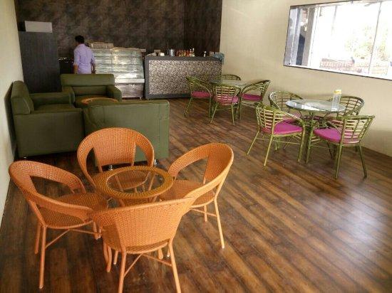 Please go empty stomach - Reviews, Photos - Sasumaa Gujarati Thali