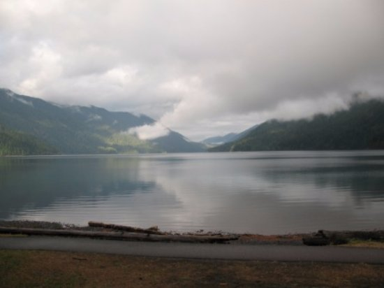 Lake Crescent Lodge: Morning after storm