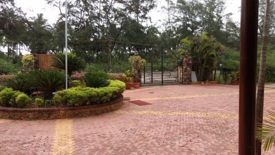 Ratnasagar Beach Resort : Inside the resort