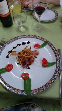 Sant'Agnello, Italia: Bite size tuna with balsamic starter