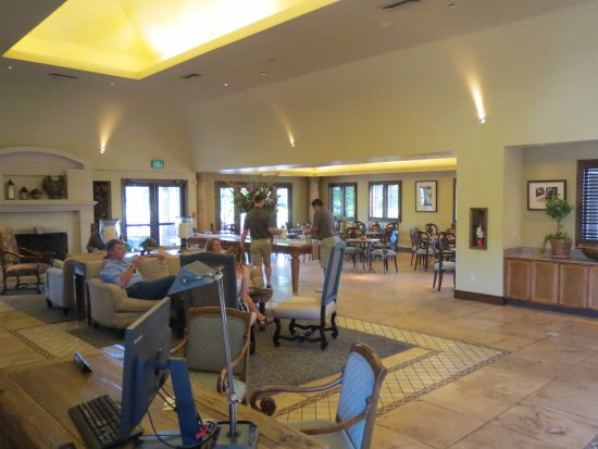 Villagio Inn and Spa : inside dining area