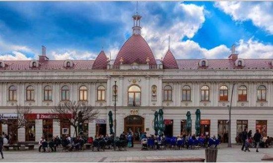 Tuzla, Bosnia-Herzegovina: Baroque building at Trg slobode
