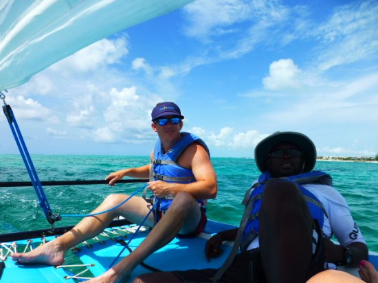 Windsong Resort: Lucky teaching my son to Sail and enjoying the freedom of the water