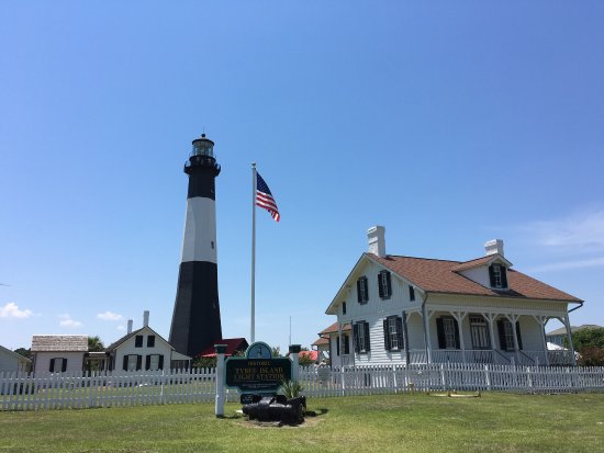 Tybee Island Lighthouse Museum: Nice place, but parking is a little over priced.