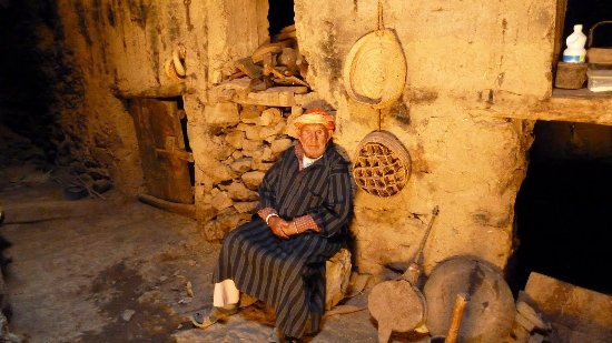 Tabant, Marokko: Old man in village
