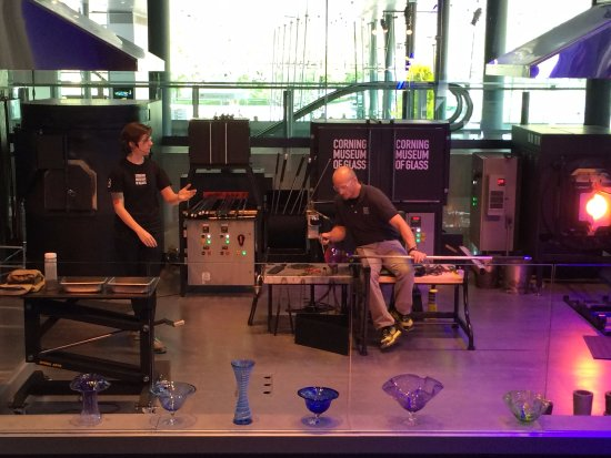 Corning, NY: Glass blowing demonstrations