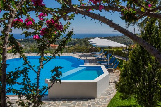 Oneira Villas: Pool