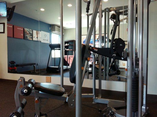 Comfort Suites Kelowna: Fitness Centre Rested Set Go