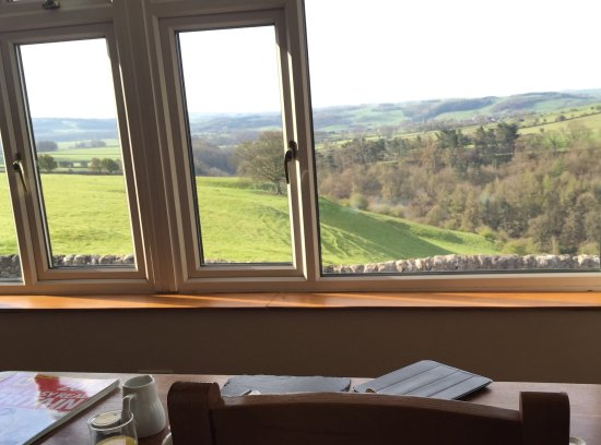 Over Haddon, UK: Our breakfast view.